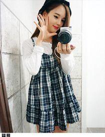 Today's Hot Pick :清纯校园★格纹宽松吊带连衣裙 http://fashionstylep.com/SFSELFAA0014117/hkm0977cn/out 用最甜美的方式,呈现最美丽诱惑的你~! 变换的色彩,优雅的格纹,带着甜美的意味, 充满了娴静优雅的气质~! 这款美轮美奂的吊带连衣裙,也是2014春夏的最IN元素! 宽松的版型,呈现飘逸灵动的仙女姿态~ 吊带设计,单穿内搭都有出众表现,你值得拥有~ - 连衣裙 - - 吊带 - - 格纹 - - 宽松-