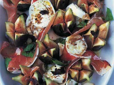 Figs, mozzarella, prosciutto, basil and honey