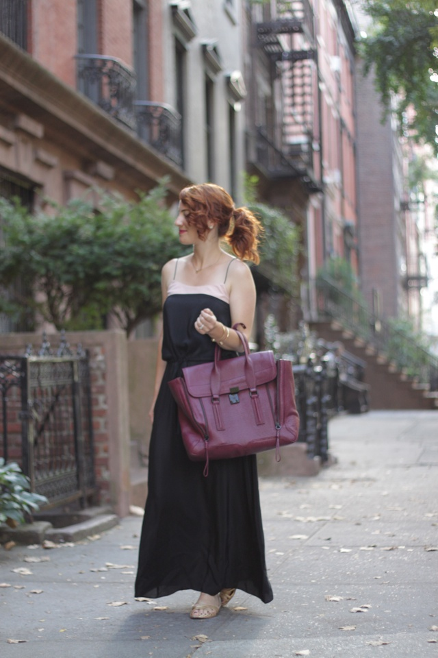alicia: Black And Nude, Fancy Huh, Plum Bag, Fashion Blogs, Excellent Clothing, Fashion Bloggers, Bags Bags, Maxi Style, Fashion Fever