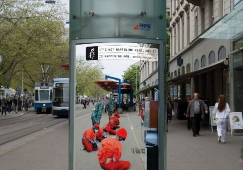 NGO kampagner er altid svære – hvor mange fluer omkring syge børn kan vi vise? Må man give beskueren dårlig samvittighed? Hvordan får vi vores budskab igennem i en tid hvor folk er mættet af krig og elendighed? Jeg har selv arbejdet for flere velgørende organisationer med udvikling af oplysende events og kampagner, og det […] - See more at: http://www.creatur.dk/blog/#prettyPhoto