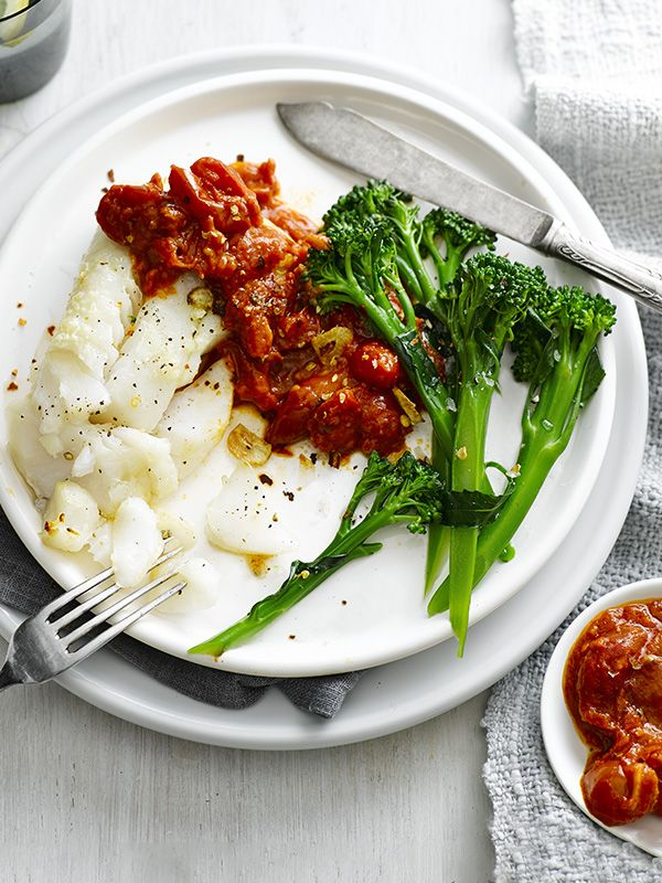 This recipe for grilled cod with salsa rossa is quick and easy and under 300 calories.