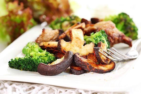 Geroosterde broccoli met champignons