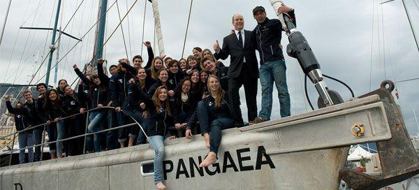"""Após quatro anos, a Expedição Pangaea, liderada por Mike Horn, o explorador ecologista sul-africano/suíço, chegou ao fim. """"Quando largámos as velas pela primeira vez com o PANGAEA, não poderíamos ter previsto onde esta viagem nos levaria e o nível de sucesso que o projeto viria a ter. Para mim, a Pangaea foi mais do que uma expedição. O projeto tinha um significado muito especial. Na nossa viagem a alguns dos lugares mais remotos do planeta, os Jovens Exploradores e eu experienciámos não só…"""