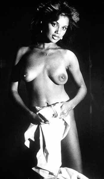 sexy photos of alecia moore naked