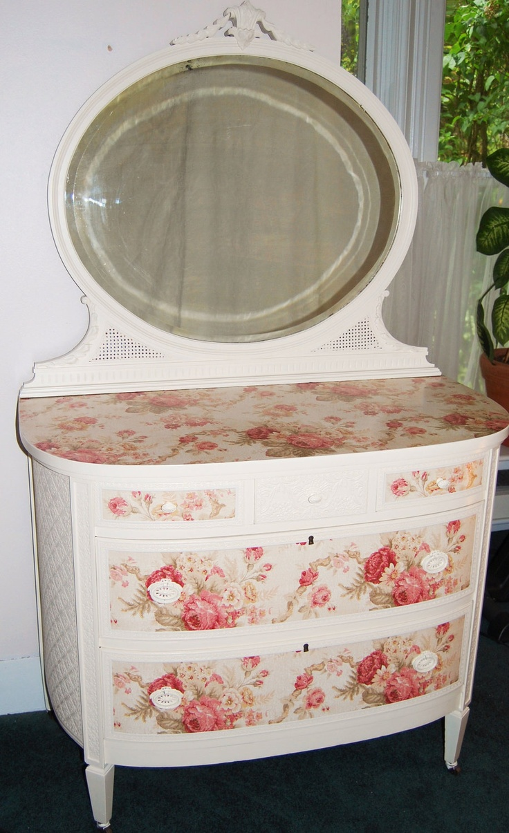 Uncategorized hand painted childrens table and chairs foter - Beautiful Cottage Chic Dresser With Cabbage Roses This Piece Is Done In A Cottage White Paint And Has A Floral Rose Top And Embossed Sides