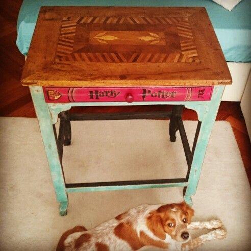 Tavolino ridipinto con cassetto decorato. Piano originale. #ASCP #DIY #shabby #QLHFI
