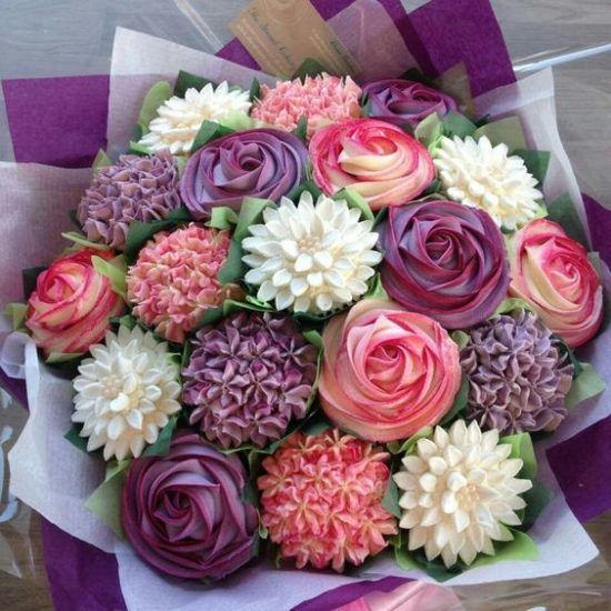 "Cupcake Bouquet Tutorial With Video Instructions. Use a 5"" Styrofoam ball cut in half, with 11 cupcakes. Roses, hydrangea, carnations, dahlias."