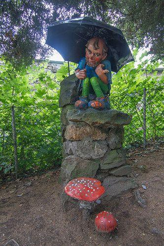 Pöstlingberg | Bei der Ankunft wartet bereits der erste Zwer… | Stadt Linz | Flickr