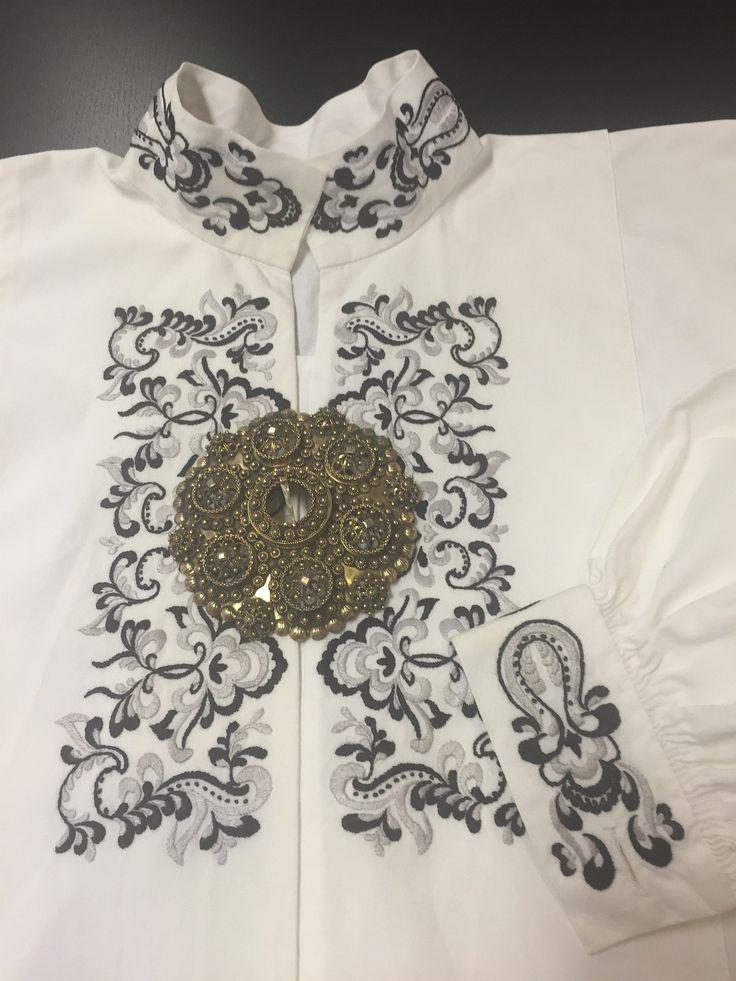 (1) FINN – Skjorte til bunad fra Øst Telemark, prinsesse- eller ranke-mønster, NY