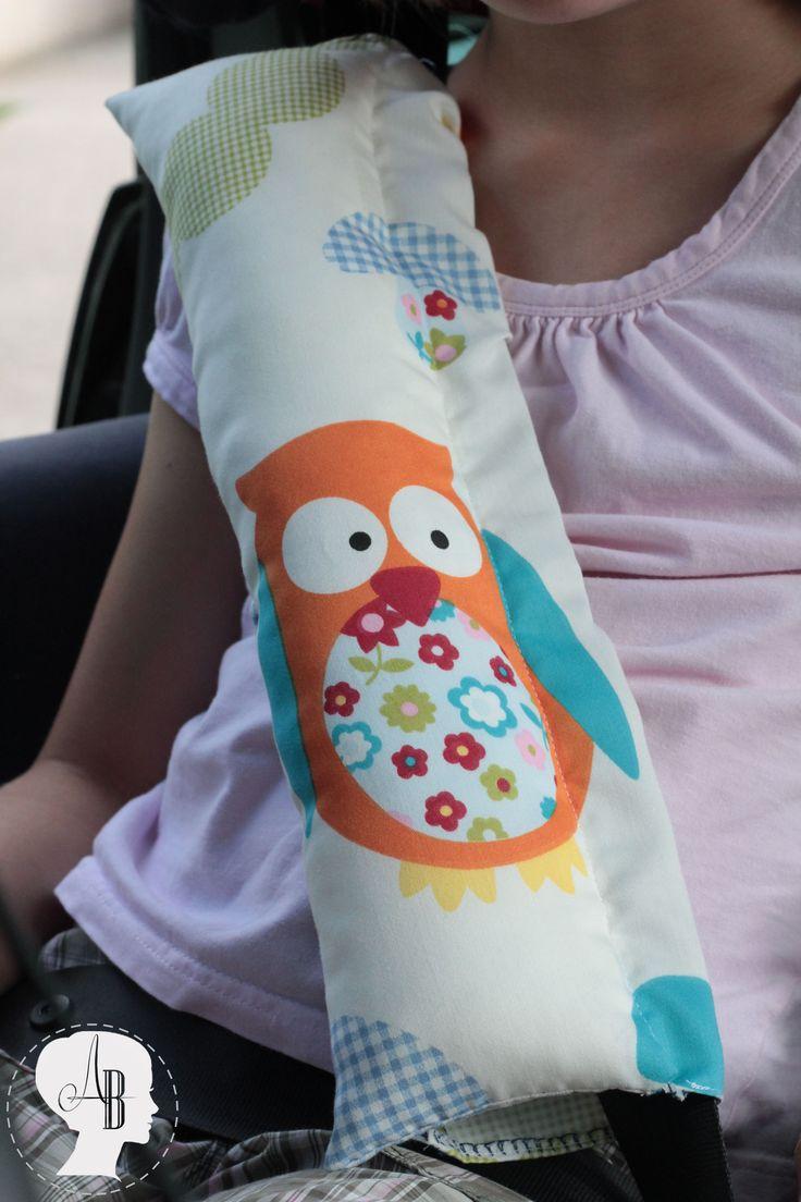 DIY: Anleitung für ein Gurtkissen - Anleitung zum Nähen eines Gurtkissens für Kinder im Auto-Kindersitz. So können die Kleinen bequem im Auto schlafen.