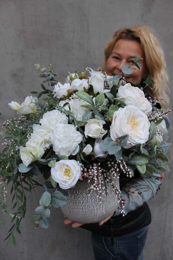 Kompozycje Ze Sztucznych Roslin Flower Decorations Flower Arrangements Floral Arrangements