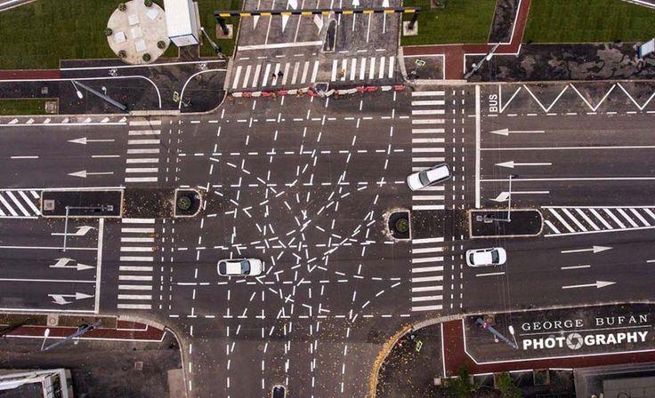 Этот румынский перекрёсток сбил с толку не один десяток матёрых водителей. — Vinegret