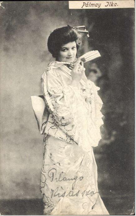 Pálmay Ilka a Mikádó című operettben (1886) - Forrás: postcards.hungaricana.hu