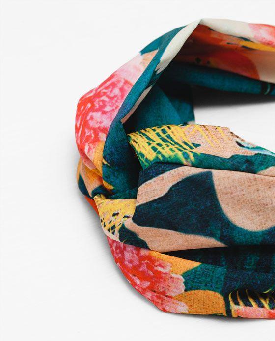 Image 4 de SERRE-TÊTE TYPE TURBAN IMPRIME OISEAU de Zara