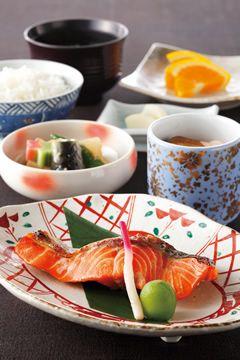 Japanese Cuisine Breakfast at the Hotel Okura ホテルの和朝食