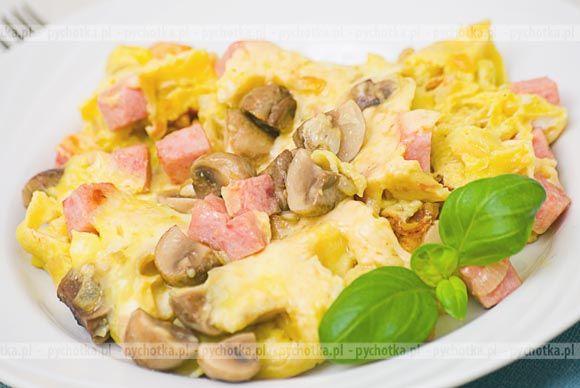 Jajecznica 'Pieczarki i skwarki'