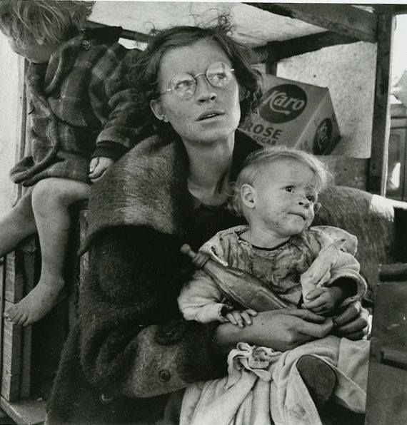 A moving photo from 1939 the Great Depression. Does the baby's bottle look like a Coke bottle - Traces of Texas