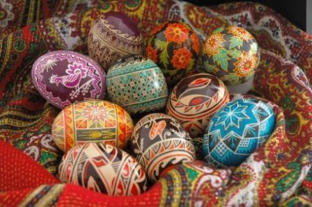Пасха́льные я́йца - pessankas