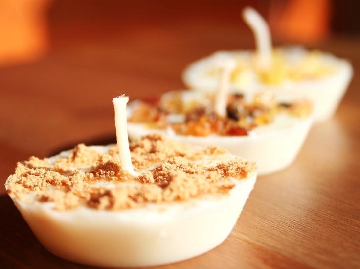 Oltre 1000 idee su candele di cera di soia su pinterest - Candele di cera fatte in casa ...