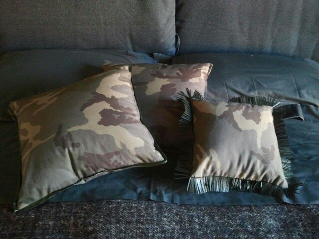 Pillows camouflage LIMITED EDITION FOR CHIARA BIASI by artextile disponibili sul sito http://lab.artextile.it #chiarabiasi#limitededition#pillow#cuscini#camouflage