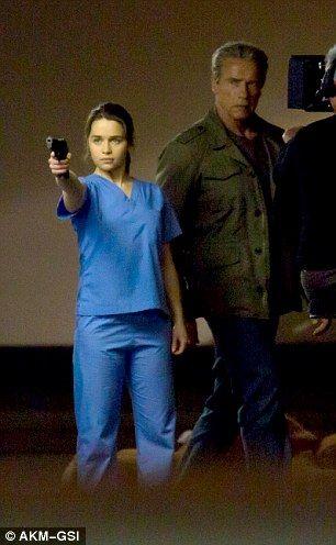 "Battle: Emilia Clarke / Arnold is back in the new ""Terminator: Genesis"" movie (2015)"