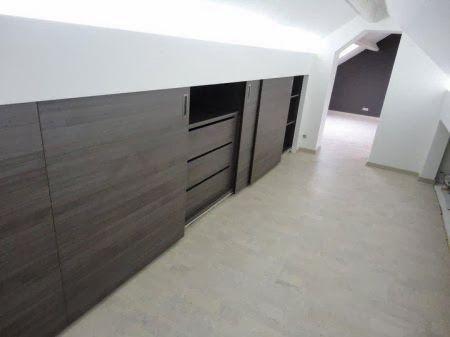 25 beste idee n over kast lades op pinterest wandel kast kasten op maat en kast ontwerpen - Mezzanine onder het dak ...