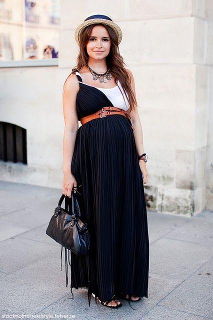 Pregnant and fashionable, Mirosalva Duma.