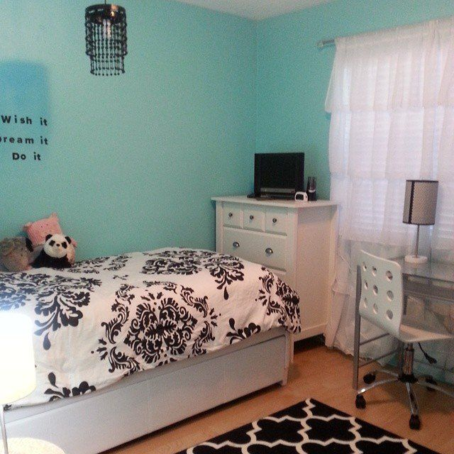 Pin for Later: 15 Instagram-Worthy Teen Bedrooms Black, White, and Teal All Over To keep colors under control, paint the walls one shade and use neutral furniture.  Source: Instagram user instaacoffee
