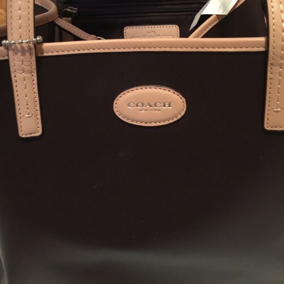 NWT COACH METRO NORTH LARGE MAHOGANY LEATHER TOTE This beautiful coat is brand-new with tags's style number F31326 it includes clip closure 8 inch shoulder drop 12 inches high 16 inches wide. Coach Bags Totes