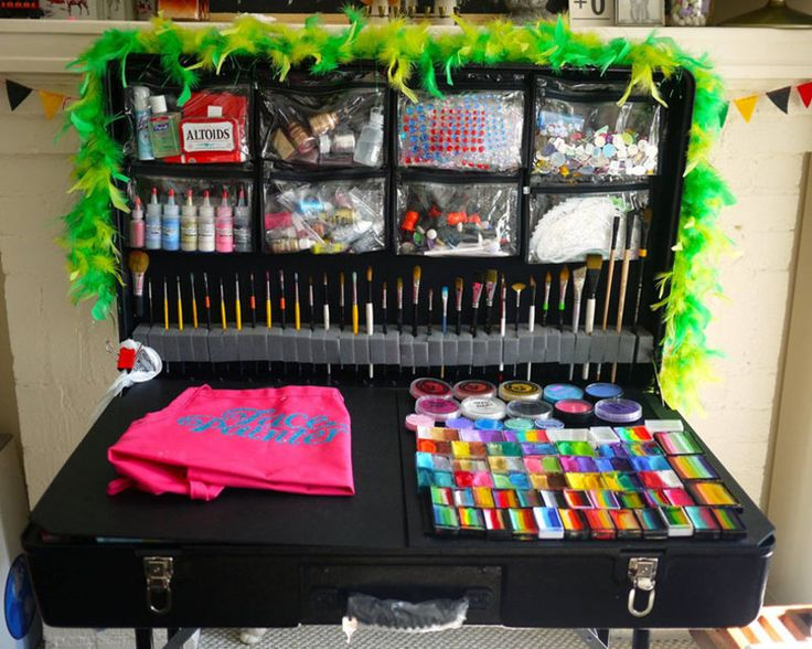 Craft-n-Go portable face painting station