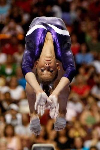 Shawn Johnson Gymnastics Photo -- Flip on Beam