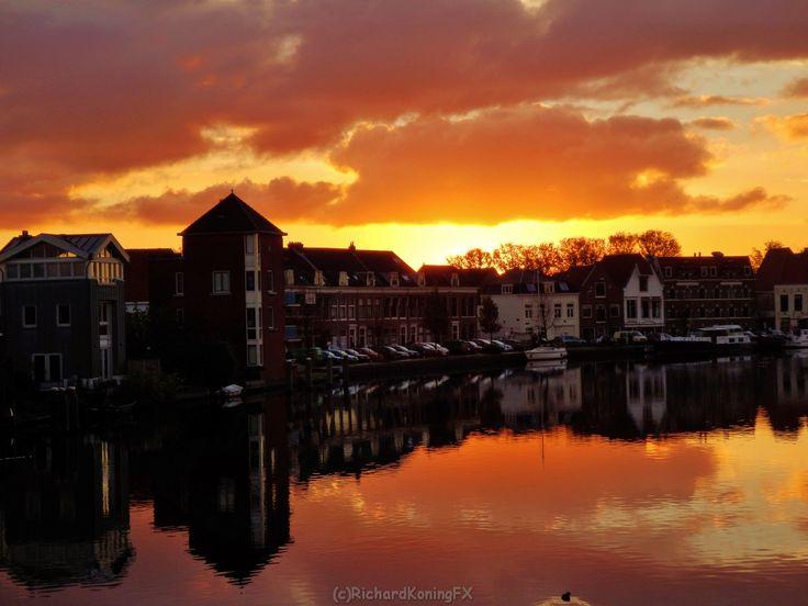 Daybreak at the Spaarne river from the Catharijnenbridge Haarlem