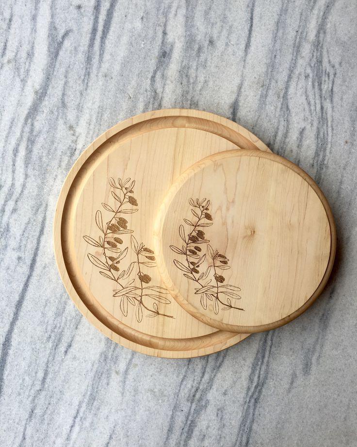Aubury Round Cutting Board : Olives