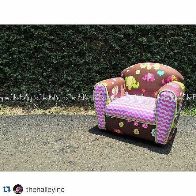 #Repost @thehalleyinc with @repostapp   RE-STOCK  Mumbay's Elephant pattern  . Motif Gajah yg warna warni dg latar belakang Coklat hadir kembali  . #minisofa#minichair#minicouch#sofa#kursi#furniture#sofaanak#sofakids#sofabayi#sofakecil#kursianak#kursikecil#babysofa#kidssofa#handmade#localbrandindo#localbrandindonesia#localbrands#tokobayijakarta#tokobayisurabaya#tokobayiindonesia#bayiindonesia#anakindonesia#tokobayionlone#tokoanak#jualsofa#kualkursi#jualfurniture#perlengkapanbayimurah by…