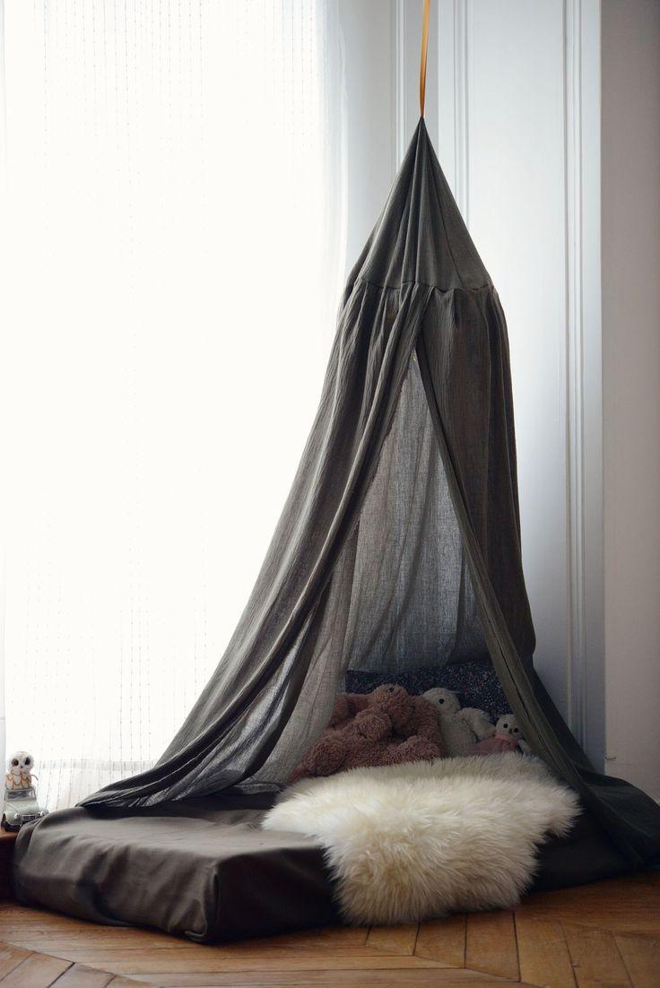Aménager et décorer un chambre pour deux enfants - fille et garçon - DIY une tente façon tipi pour un coin lecture repos tout en poésie