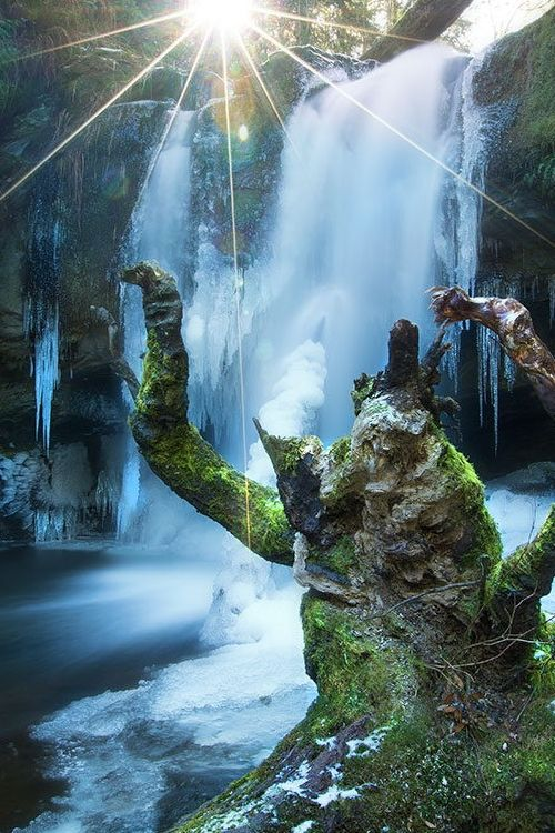 Stocking Creek Waterfall - Stocking Creek Park, Saltair, Vancouver Island, B.C., Canada (by Gavin Hardcastle)