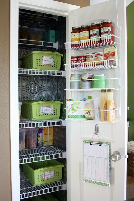 pretty pantry - clipboard with shopping list