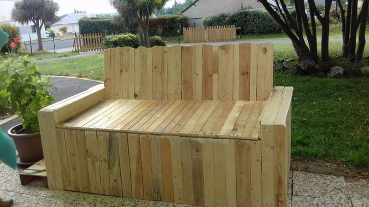 25 Best Ideas About Wood Pallet Couch On Pinterest