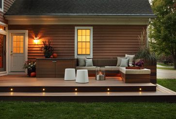 laid back modern patio entertaining space. love the wood.