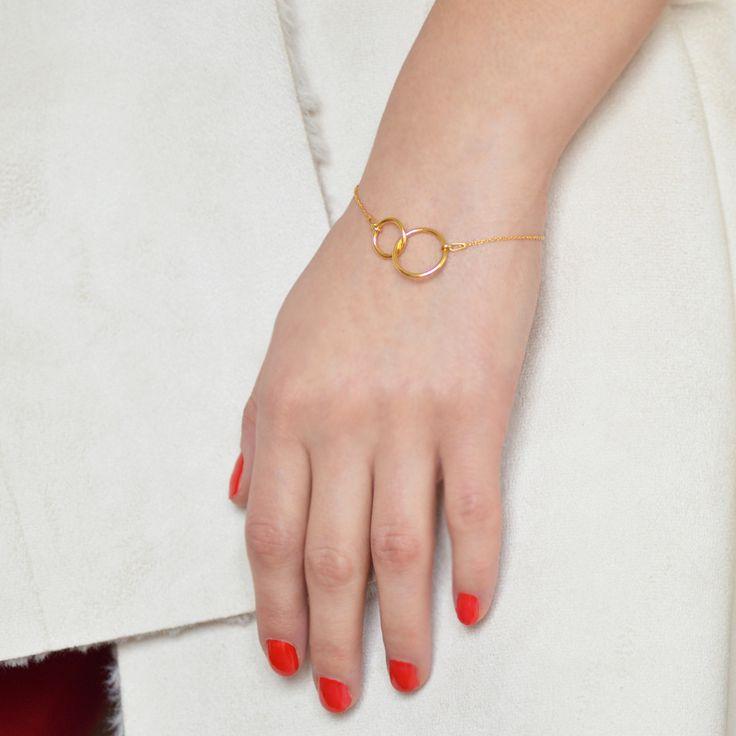 Złota bransoletka gwiazd zkółeczkiem, biżuteria, karma, kółko, kółeczko, kółka, celebrytka / Golden bracelet, jewellery, jewelry, celebrity