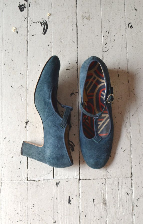 1960s mod shoes / vintage 60s mary janes / Ready Steady t-straps