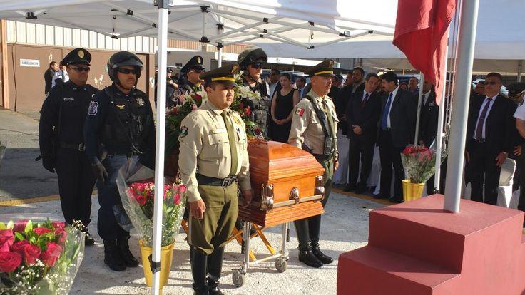 <p>Chihuahua, Chih.- La Fiscalía General del Estado brindará apoyo integral al hijo de la Policía Vial, Verónica Margarita Villalobos