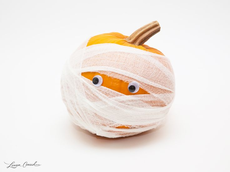 Lauren's DIY Mummy Pumpkin - Too Cute To Spook!