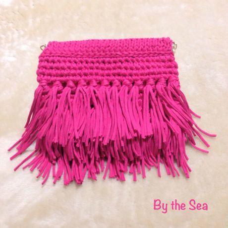 """3段 フリンジ 編み クラッチバッグ """"Fushia Pink"""" #fringe #clutch #crochet #tshirtyarn"""