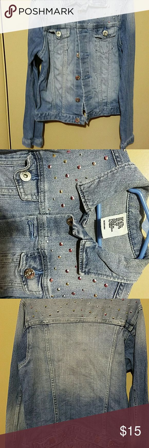 Girls denim jacket H&M size 10-11 Cute light wash denim jacket with pink and silver studs! H&M Jackets & Coats Jean Jackets
