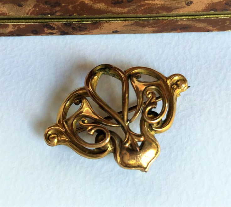 Edwardian pinchbeck watch pin brooche, fleur de lis brooche, edwardian jewels, antique jewels, antique brooche, vintage jewels di Quieora su Etsy