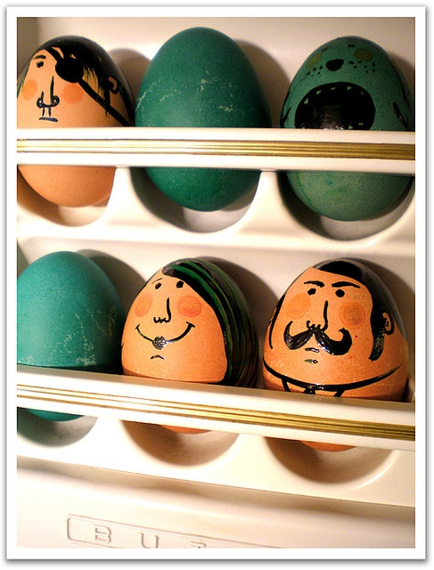 Cool idea for Easter eggs! TOO CUTE <3