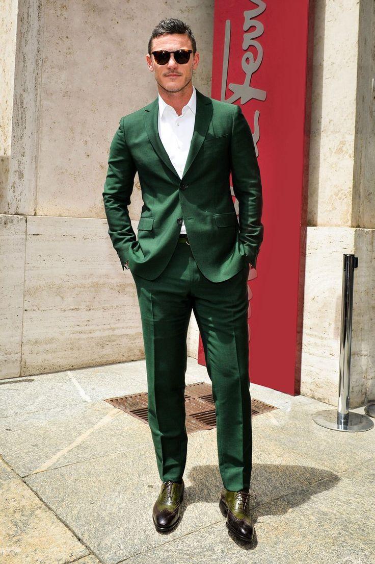#FerragamoVIP Arriving at the #FerragamoSS17 men's runway show, actor Luke Evans. #mfw