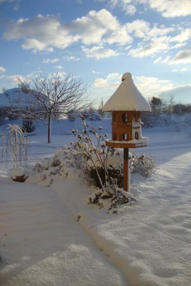 Lovely Vogelh uschen der O N Leser Seit einigen Jahren ziert es jetzt unseren Garten und