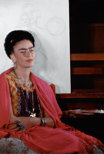 Frida Kahlo wasn't much of a smiler when it came to photos, but that doesn't matter when you're looking at old photos of her. Out of all of the artistic output from Mexico over th…